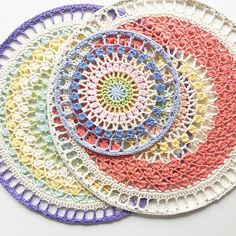 I love mandalas. I love spring. And I love to hang crochet pieces as wall art. So keeping these 3 things in mind, I set out to design a pattern for a mandala wall hanging and used gorgeous spring coloured yarn to make the design come to life. Crochet Bunting, Crochet Squares, Crochet Doilies, Granny Squares, Crochet Earrings Pattern, Crochet Mandala Pattern, Crochet Patterns, Crochet Shawl, Modern Crochet