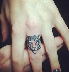 Tatuajes pequeños y femeninos que te enamoraran