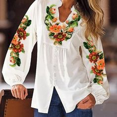 Вишита сорочка жіноча заготовка 2 Embroidery On Kurtis, Kurti Embroidery Design, Kurti Designs Party Wear, Kurta Designs, Lou Fashion, Fashion Outfits, Kurti With Jeans, Sleeves Designs For Dresses, Embroidered Clothes