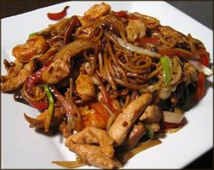A Glug of Oil: Jan's Chicken Chow Mein Recipe sub oyster sauce with hoisin sauce and tofu/tempeh for chicken