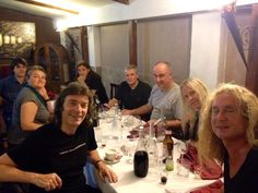 Steve Hackett @HackettOfficial 2014 7月25日 That first meal in Italy is always a joy when we all let our hair down before the shows kick off... pic.twitter.com/xnIz8b1eXm