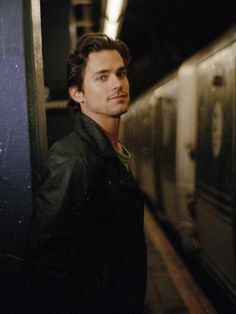 Embedded image permalink Pretty People, Beautiful People, White Collar Quotes, Matt Bomer Simon Halls, Neal Caffrey, Normal Heart, Embedded Image Permalink, Cute Guys, Celebrity Crush