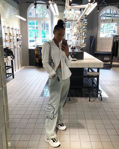 "״Cleanin' out my closet"" Cute Swag Outfits, Cute Comfy Outfits, Retro Outfits, Simple Outfits, Summer Outfits, Black Girl Aesthetic, Aesthetic Fashion, Pretty Black Girls, Black Girl Fashion"