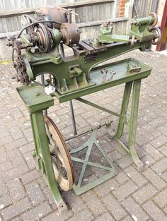 Drummond Brothers Lathe | eBay Antique Tools, Old Tools, Vintage Tools, Homemade Lathe, Homemade Tools, Lathe Tools, Wood Lathe, Woodworking Machinery, Woodworking Tools