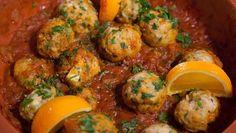 Lamstajine met kweeperen en visballetjes in tomatensaus - 24Kitchen Fish Dishes, Sushi, Chicken, Meat, Dinner, Cooking, Breakfast, Ethnic Recipes, Food