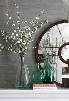 How-to: Restyle Your Mantle - Alice Lane Home Interior Design Home Living Room, Living Room Decor, Mantel Styling, Fall Mantle Decor, Decorating A Mantle, Mantles Decor, Mantle Ideas, Decorating Tips, Boho Home
