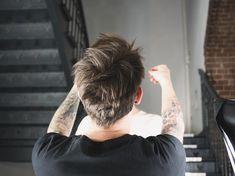 """Gefällt 3 Mal, 1 Kommentare - das Bild Von Linda (@lindalindblom) auf Instagram: """"#shooting #imtreppenhaus #color #hair #stylist #triohair #helloimlinda #dasbildvonlinda #makingoff…"""""""