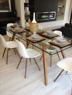 Dining Set - She would love to have dinner with her love ones.
