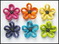 Crochet Loopy Flowers - would be so cute on scrapbook page