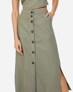SAIA MIDI DE LINHO COM BOTÕES Modest Dresses, Modest Outfits, Skirt Outfits, Dress Skirt, Casual Outfits, Fashion Outfits, Womens Fashion, Linen Skirt, Linen Blouse
