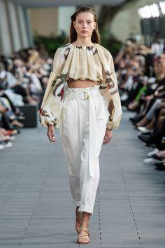 Aje Australia Resort 2020 Collection - Vogue The complete Aje Australia Resort 2020 fashion show now on Vogue Runway. Trend Fashion, 2020 Fashion Trends, Fashion 2020, Runway Fashion, High Fashion, Fashion Outfits, Womens Fashion, Fashion Fashion, Latest Fashion