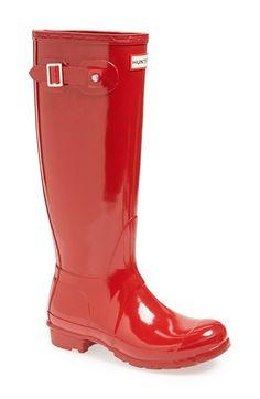 Love this high gloss Hunter rain boot http://rstyle.me/n/vp7s5nyg6