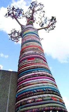 Fabric Baobab Tree at London South Bank - The African Fabric Shop : Textiles, beads and inspiration from Africa Le Baobab, Baobab Tree, African Textiles, African Fabric, African Design, African Art, Public Art, Public Spaces, Yarn Bombing