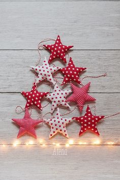 27 ideas for simple Christmas star decorations Christmas Bunting, Christmas Star Decorations, Christmas Sewing, Simple Christmas, Winter Christmas, All Things Christmas, Handmade Christmas, Christmas Holidays, Christmas Thoughts