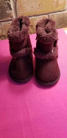 e6171dad91 Infant Toddler Girls Air Walk Brown Fur Boots Zipper On Side Size 2  fashion