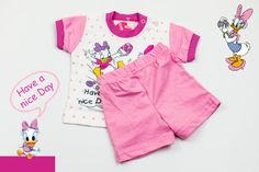 Set of white T-shirt and pink shorts with Daisy Duck print. Will keep your baby girl the happiest. The material is 100% cotton and the color after washing stays the same. But most important is that these T-shirt and shorts are easy to wear and easy to pay.