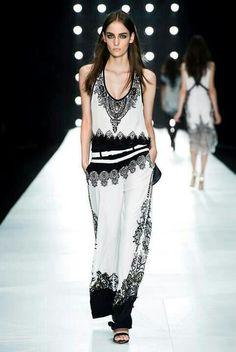 Roberto Cavalli... I am a fan! #fashion #roberto #fashiondesign