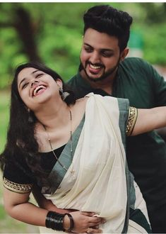 Indian Wedding Photography Poses, Wedding Couple Poses Photography, Girl Photography Poses, Couple Picture Poses, Couple Photoshoot Poses, Girl Photo Poses, Very Cute Baby Images, Mom Dad Tattoos, Wedding Silhouette