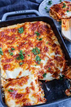 Lasagne Bolognese Lasagna Recipes lasagna recipe with ricotta Healthy Italian Recipes, Italian Pasta Recipes, Pasta Salad Italian, Easy Healthy Recipes, Recipes Appetizers And Snacks, Easy Appetizer Recipes, Easy Dinner Recipes, Easy Meals, Pasta Dinners