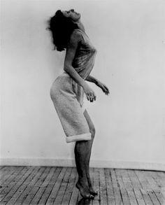 Contemporary Dance, Modern Dance, Dark Fantasy Art, Boris Vallejo, Royal Ballet, Body Painting, Dance Movement, Film Inspiration, Dance Poses