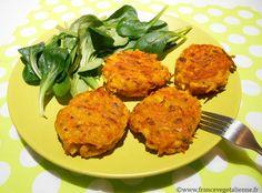 ...présentées par Frédéric  Sur le modèle des galettes de pommes de terre, voici les… galettes de  carottes! L'occasion de remplacer le féculent par un «vrai» légume qui  n'est pas toujours apprécié cuit. Il faut râper des carottes et des  oignons, les lier avec de la maïzena, de la crème végétale et de l'huile  bien parfumée, assaisonner, épicer (sel, poivre, curcuma, etc…), rajouter  des herbes (thym, ciboulette, etc), avant de confectionner de petites  galettes épaisses à faire dorer à...