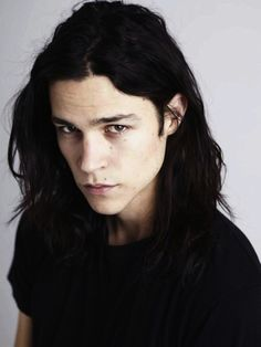i have a problem and it's called Miles Mcmillan looks exactly like Shevlin and it's freaking me out Poses, Beautiful Men, Beautiful People, Miles Mcmillan, Ex Machina, Male Face, Mi Long, Dark Hair, Character Inspiration