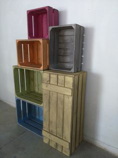 Caja de fruta mueble con madera de palets estilo for Muebles para escaparates