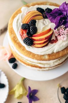 """""""Mind-Blowing"""" Summer Cakes - Easy and Healthy Recipes Cupcakes, Cupcake Cakes, Peaches And Cream Cake Recipe, Oreo, Fresh Strawberry Cake, Cake Recipes, Dessert Recipes, Lime Cake, Summer Cakes"""