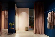 Visite guidée à Madrid de la boutique Ambrosia, réalisée par les architectes Ciszak Dalmas, un lieu où se mèlent luxe et accesibilité dans 160m2 de beauté.
