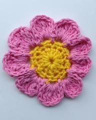 """Click the banners below for more beautiful flower patterns, available via mail or download!  Pink Candle Flower Easy Skill  Size: About 5"""" diameter.  Materia"""