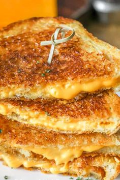 The best grilled cheese sandwich starts with a perfectly golden crust and is filled with heaps of melted cheese. Dip this classic in tomato soup for the perfect lunch recipe! #spendwithpennies #grilledcheese #grilledcheesesandwich #lunchrecipe #easyrecipe Classic Grilled Cheese Recipe, Grilled Cheese Recipes Easy, Grilled Cheese Rolls, Perfect Grilled Cheese, Making Grilled Cheese, Best Cheese, Cheesy Recipes, Best Avocado Toast Recipe, Grill Cheese Roll Ups