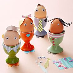 Replicate the whole family for a fun Easter display! Click here for more Easter crafts: http://www.bhg.com/holidays/easter/crafts/easter-crafts-for-all-ages/?socsrc=bhgpin031715eastereggpeople&page=15