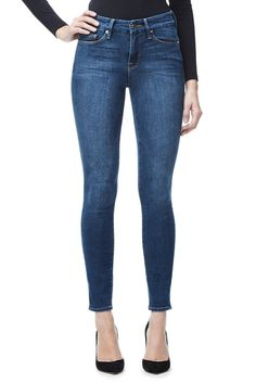 GOOD AMERICAN GOOD LEGS | BLUE004 Brandy Melville, New Outfits, Super Skinny Women, Skinny Fit, Skinny Jeans, Denim Outfit, High Waist Jeans, Tommy Hilfiger, Denim Jeans