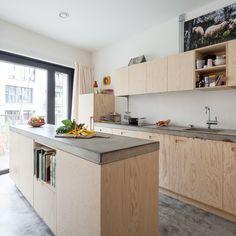 Image 24 of 37 from gallery of Brutopia / stekke + fraas. Photograph by Tim Van de Velde Kitchen Decor, Kitchen Inspirations, Kitchen Dinning, House Interior, Kitchen Interior, Home Kitchens, Kitchen Island Design, Kitchen Room, Interior Furniture