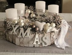 Hottest Pictures Advent Wreath white Ideas A lot of churches web host a strong Advent-wreath-making occurrence on the very first Wednesday with Christmas Advent Wreath, Christmas Table Decorations, Christmas Candles, Gold Christmas, Rustic Christmas, All Things Christmas, Christmas Time, Christmas Crafts, Diy Natal