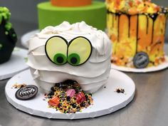 Freed's Bakery Debuts 'Spooktacular' Desserts for Halloween Halloween Food For Party, Halloween Crafts, Las Vegas Shopping, Themed Cakes, Bakery, Birthday Cake, Desserts, Recipes, Halloween Party Recipes