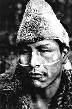 selk'nam Guy Debord, Native American Photos, Native American Indians, Southern Cone, Patagonia, Australian Aboriginals, Latina, Melbourne Museum, Indigenous Tribes