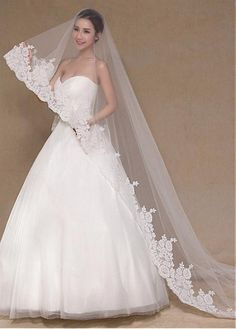 Buy discount In Stock Gorgeoust Tulle Cathedral Wedding Veil With Lace Appliques at Dressilyme.com