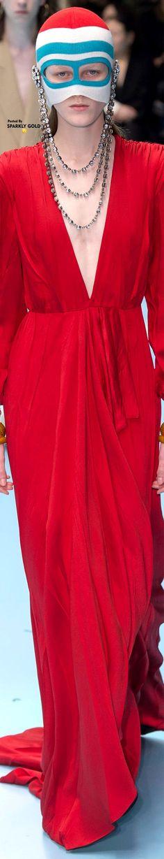 Gucci Fall 2018 RTW Gucci Fashion, Couture Fashion, Fashion Trends, Milan Fashion, Gucci Ii, Gucci 2018, Outfits Spring, Black White Red, Italian Fashion