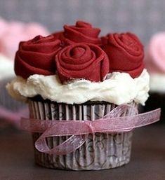 Rose Wedding Cake and Cupcake Ideas
