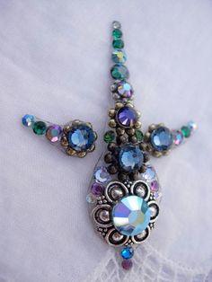 Gorgeous Peacock bindi set by Kuhl Jewels $36