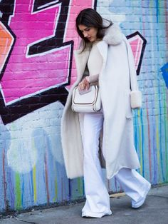 """Share this Style   #Snowstorm: o #branco """"caiu"""" sobre a #streetstyle #WhoWhatWear"""