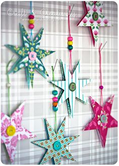 Paper stars (via craftandcreaticity.com) Paper Ornaments, Xmas Ornaments, Christmas Decorations, クリスマス Diy, Diy Crafts, Stars Craft, Star Diy, Cool Diy Projects, Christmas Inspiration