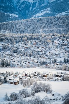 Located in Flims, in the heart of the Swiss Alps, The Hide hotel offers ski-in/ski-out access and is a home base for gastronomic diversity and family experiences. Winter Time, Outfit Of The Day, City Photo, Adventure, Mountains, Nature, Pictures, Photography, Travel