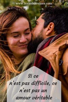 Si ce n'est pas difficile, ce n'est pas un amour véritable #laviedesreines #amour #relation #couple #love #relationship #motivation #inspiration Jolie Phrase, Motivation, Messages, Couple Photos, Couples, Quotes, Books, Attitude, Inspiration