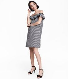 Short, off-the-shoulder dress in checked, woven viscose-blend fabric. Narrow shoulder straps and elastication with flounce at upper edge.