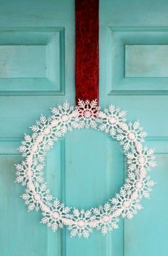 Snowflake Wreath for 2013 Christmas, Snowflake Wreath, DIY home decor wreath ideas - Snowflake Wreath