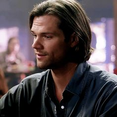 I love Jared Padalecki and I'm very protective of Sam Winchester ! Bitter and Proud Sam! Supernatural Sam Winchester, Jared Padalecki Supernatural, Sam And Dean Winchester, Supernatural Tv Show, Gilmore Girls, Jared And Jensen, John Watson, Super Natural, Attractive People