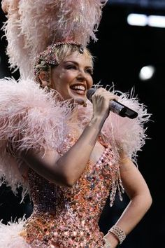 Kylie showgirl the homecoming tour - kylie-minogue Photo