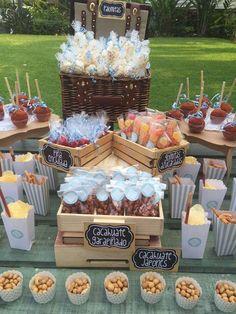 Como se reparte el candy bar | Guía para decorar la mesa de dulces Snacks Für Party, Bbq Party, Fiesta Party, Mexican Birthday Parties, Mexican Party, Picnic Birthday, Birthday Candy Bar, Mexican Candy Bar, Picnic Party Decorations